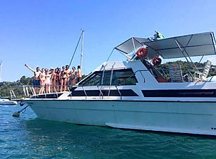 Ubatuba_barco-tour_Ren_4.jpg