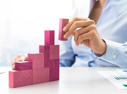 businesswoman-building-a-growing-financi
