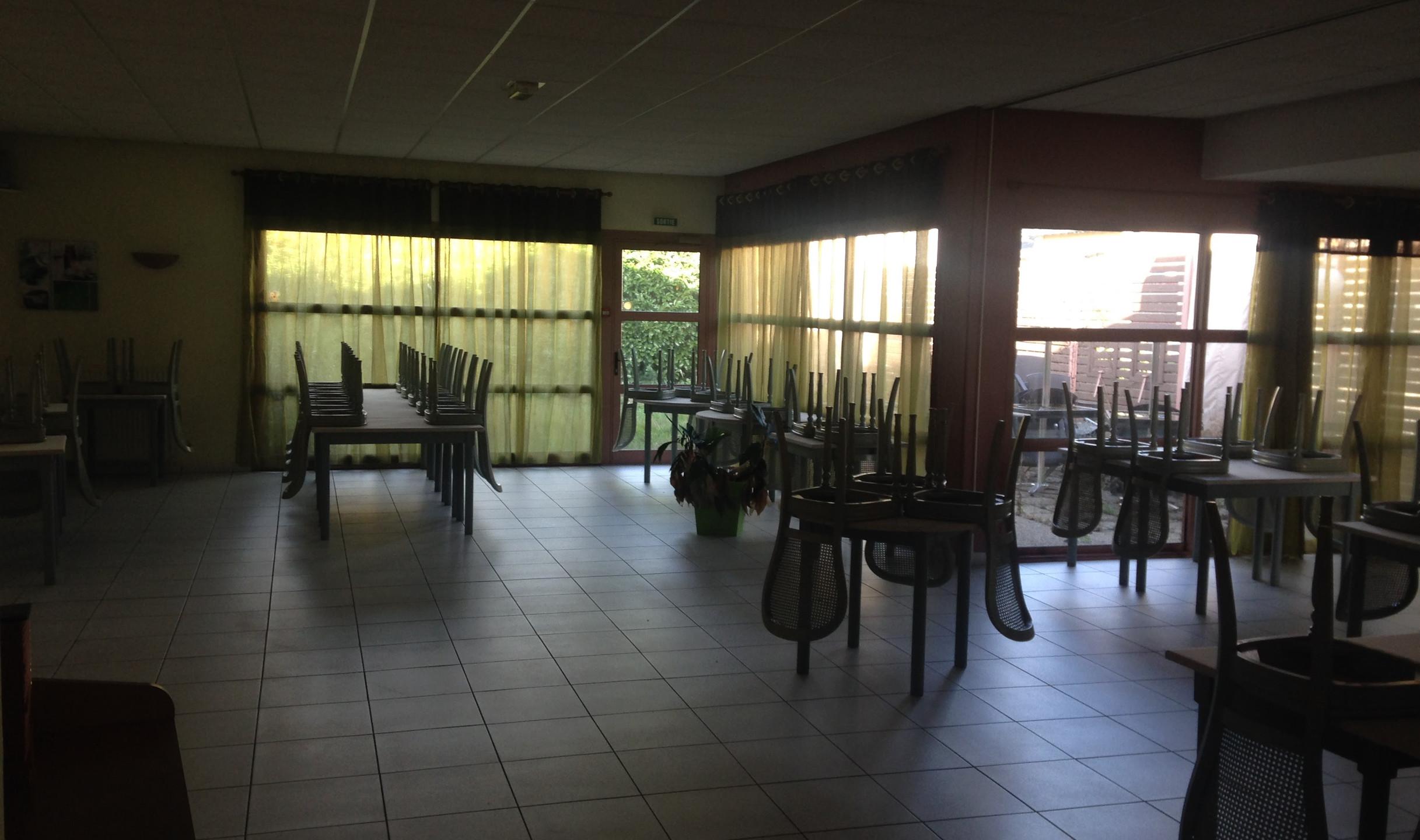 Salle à manger ancien restaurant