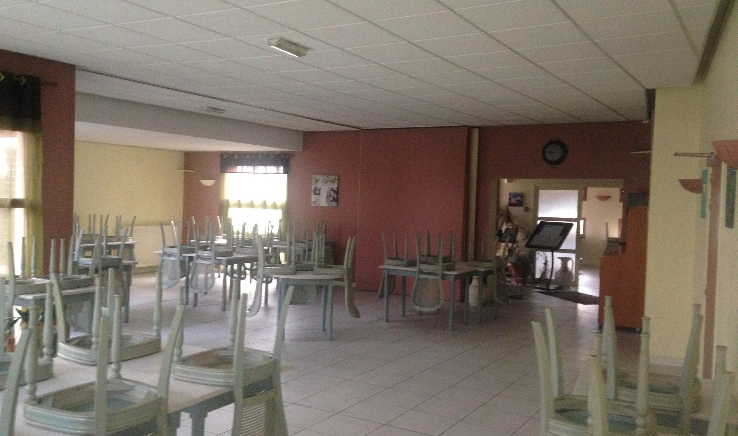 Grande salle de restauration