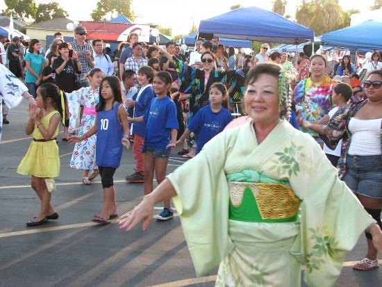 Dancers at last year's festival. (J.K. YAMAMOTO/Rafu Shimpo)
