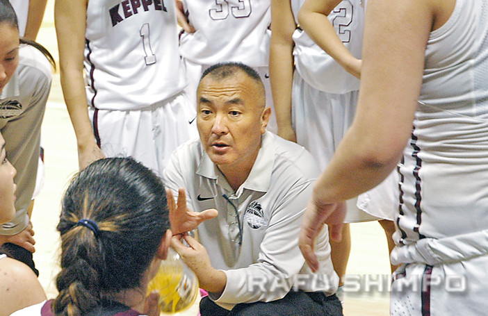 Joe Kikuchi strategizes with his Keppel players during their CIF State regional final last March. Kikuchi was arrested Sept. 24 in Alhambra on suspicion of conducting an inappropriate relationship with one of his players. (Photo by MIKEY HIRANO CULROSS/Rafu Shimpo)