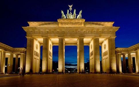 Brandenburgskie-vorota-Berlin-interesnye