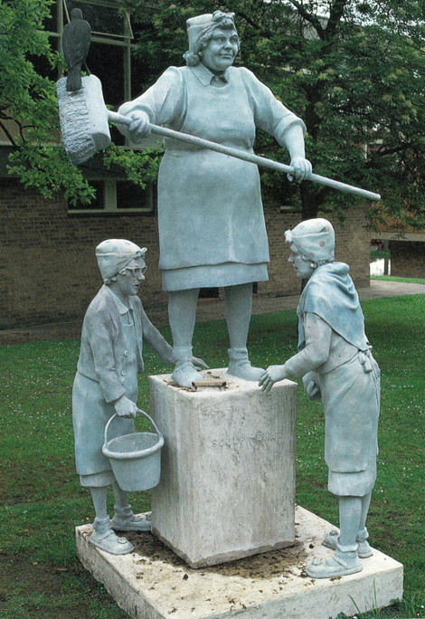 Monumental Sculpchar (fibreglass / wood)