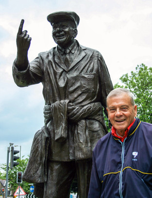 Dickie with Bronze.jpg