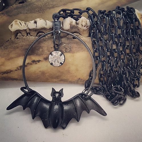 "Minimalist Bat with Rhinestone on 22"" Chain"