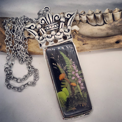 Fairy Garden in Resin with Soldered Crown & Long Chain