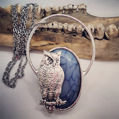 "Large Soldered Owl on Dragon's Vein Agate with 24"" Chain"