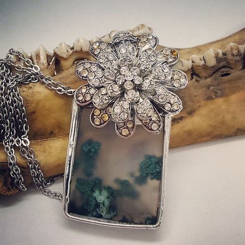 "Vintage Button with Soldered Moss Agate on 20"" Chain"