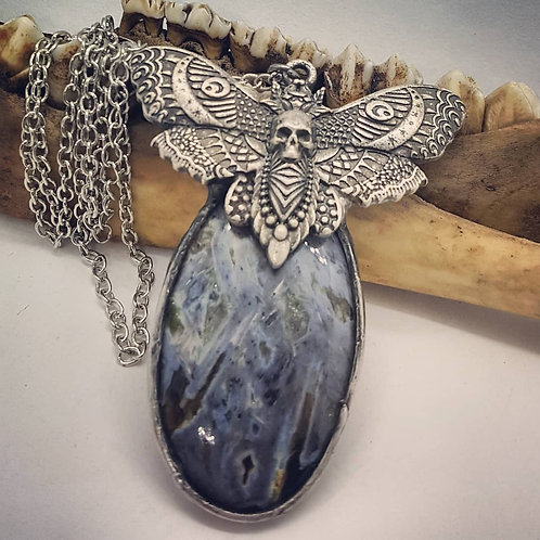 "Soldered Agate with Moth on 22"" Chain"