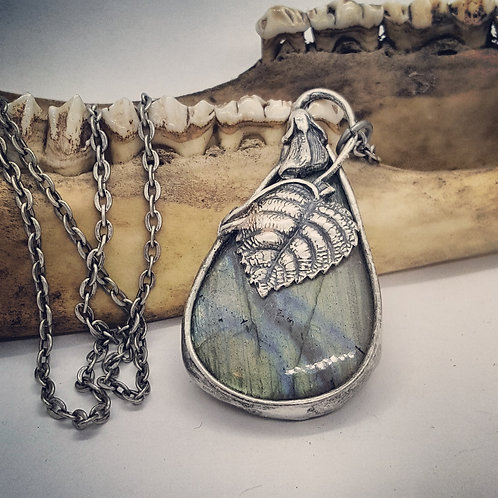 """Soldered Labradorite with Leaf Accent on 18"""" Chain"""