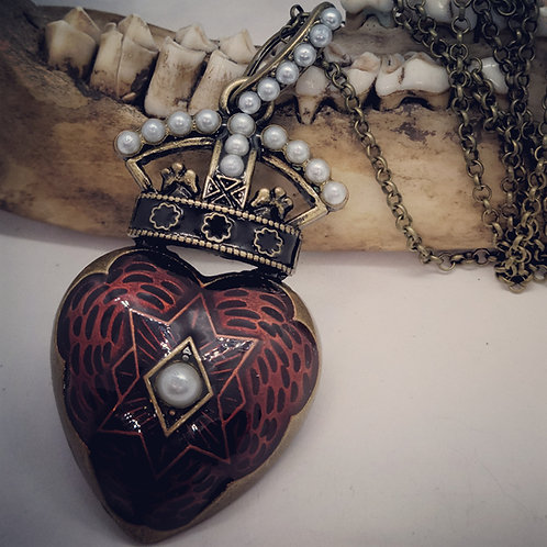 """Gothic Heart Necklace with Pearl's on 20"""" Chain"""
