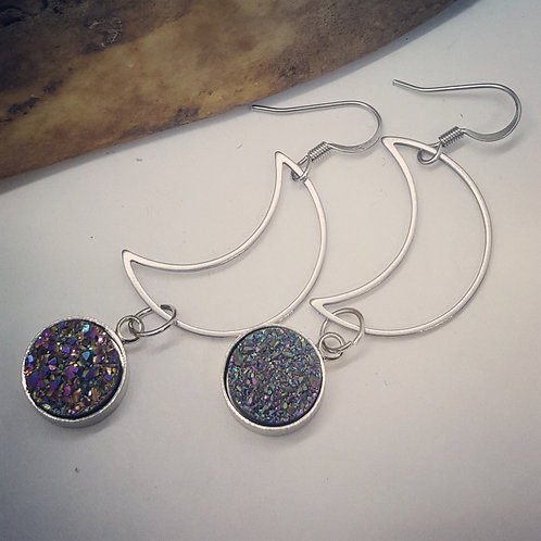 Stainless Steel Crescent Moon with Sparkling Geodes