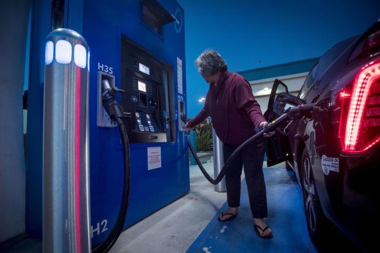 Photo of A customer fills a car with hydrogen at a TrueZero fueling station in Mill Valley, California. Samso Insights