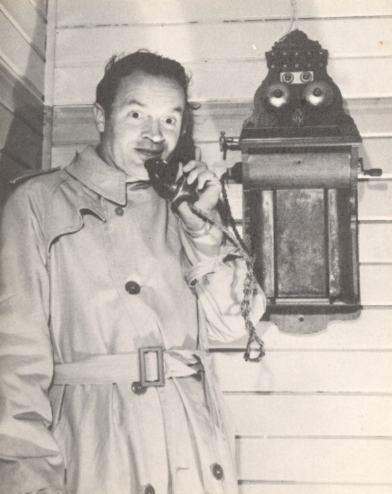 Bob Hope making a phone call from the old Laurieton Post Office.