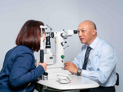 Dr Ivan Young-treating diabetic eye dise
