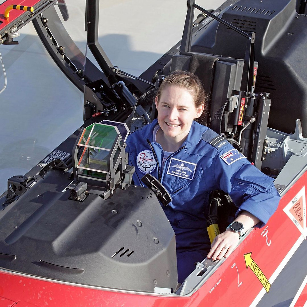 Flight Lieutenant (FLTLT) Aimee Heal, Roulette Seven with the Air Force Roulettes, HDFC Open Day, feature story by Brilliant-Online