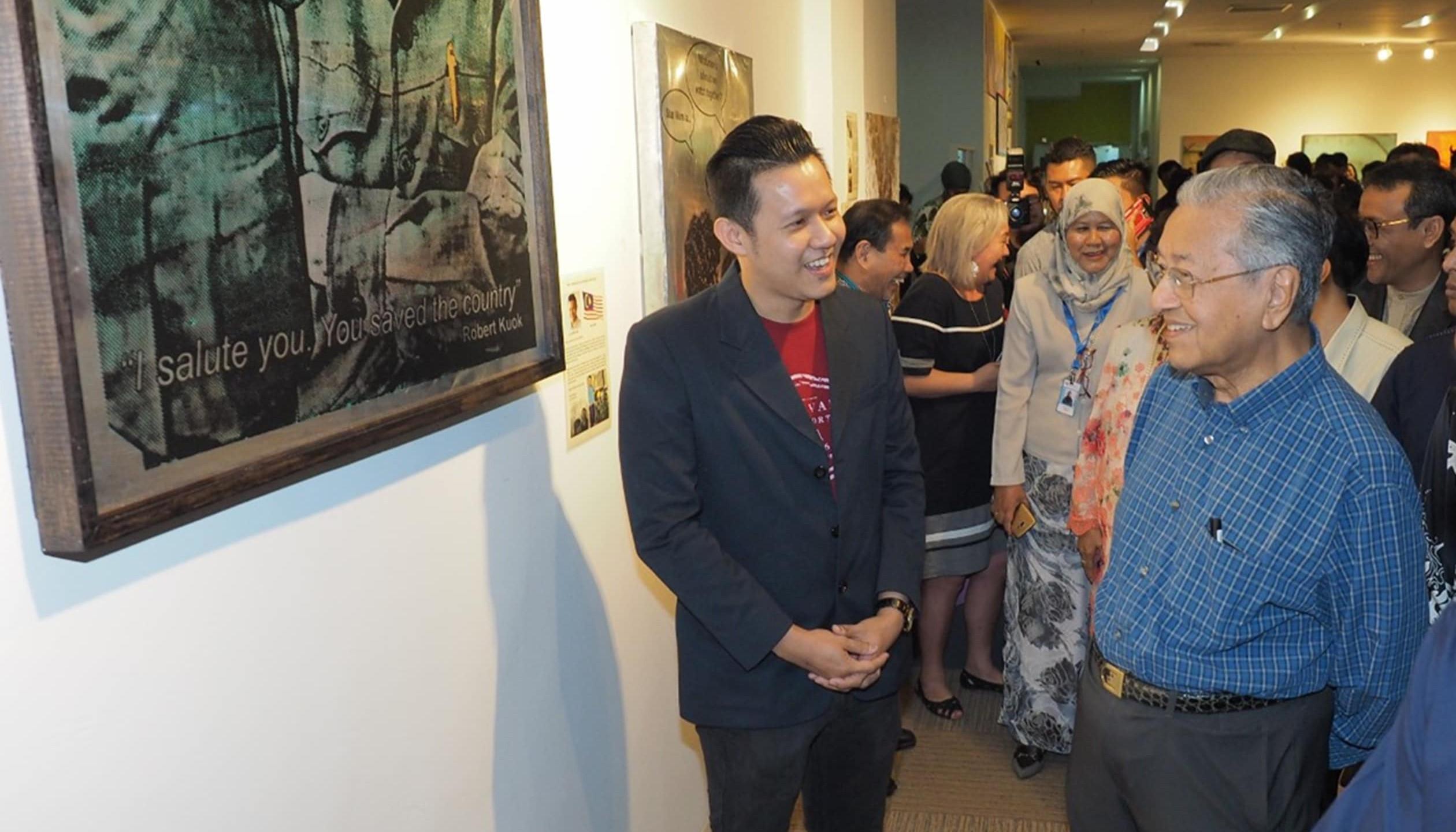 Explaining to Tun Mahatir