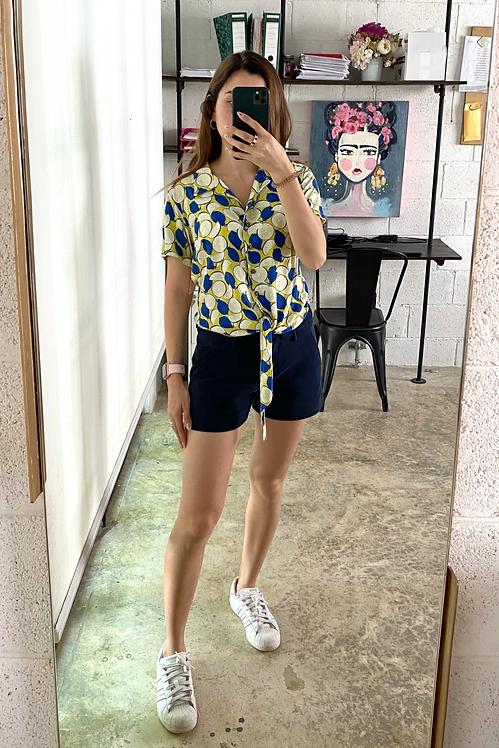 Blusa botones y amarre limones