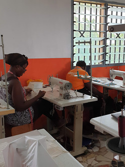 MBA Mode fashion student working on a garment