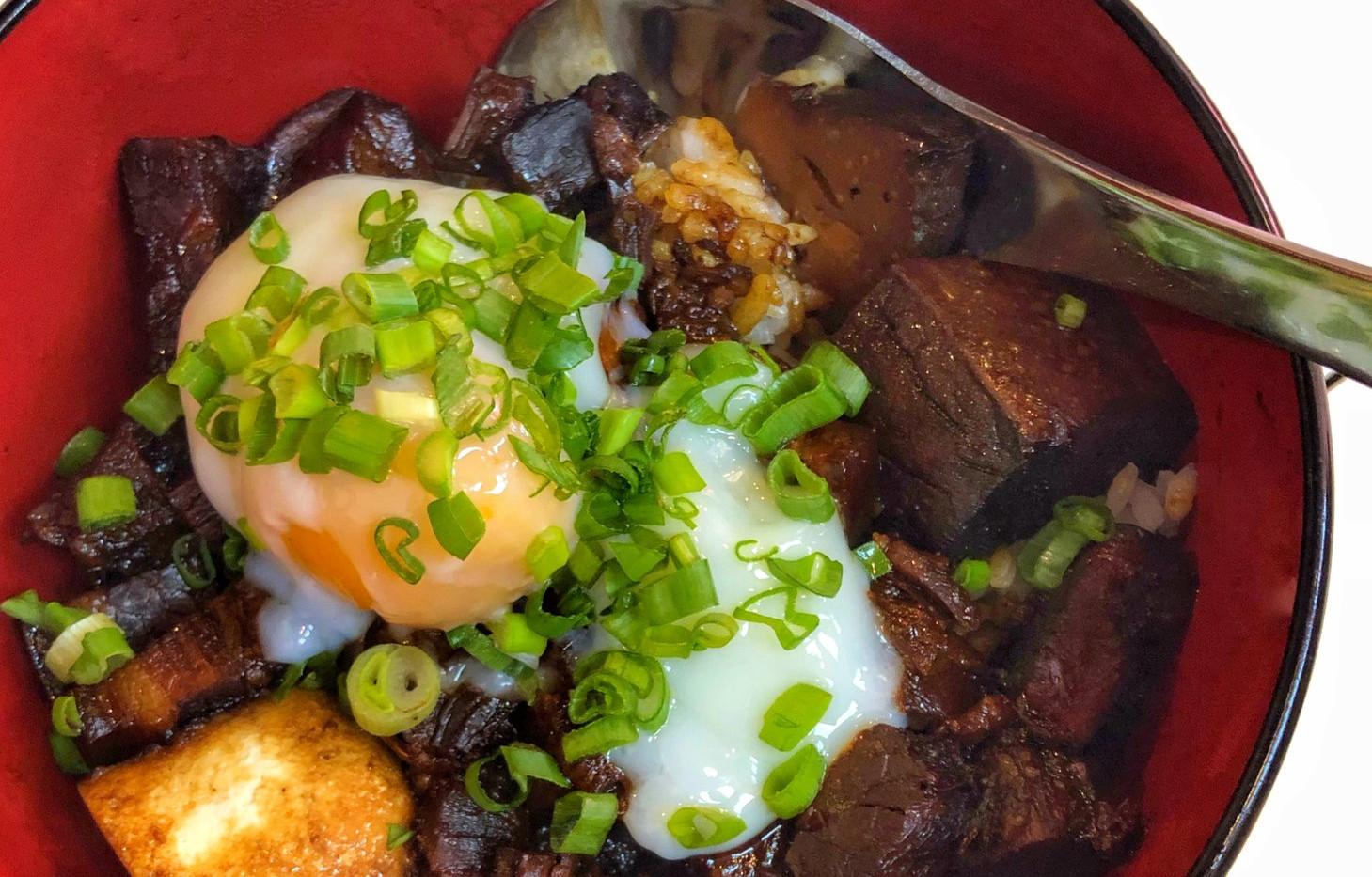 Braised Pork Rice 卤肉饭.jpg