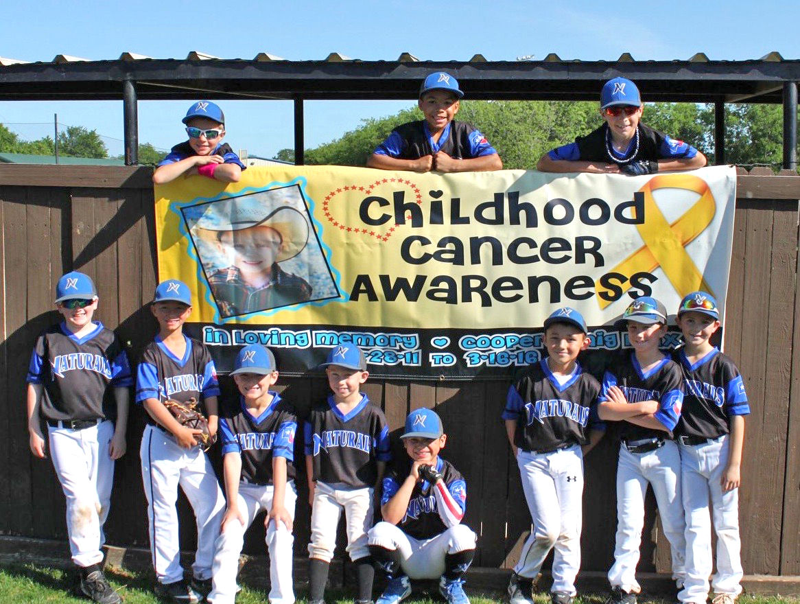 BaseballTeam_CancerAwareness.jpg