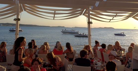 Dineren bij Cafe del Mar