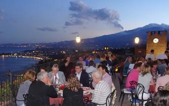 Diner met uitzicht Taormina