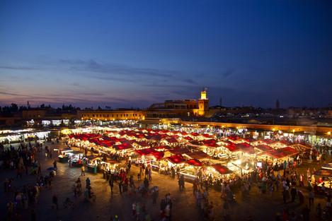 Het Djeema El Fna plein in Marrakech