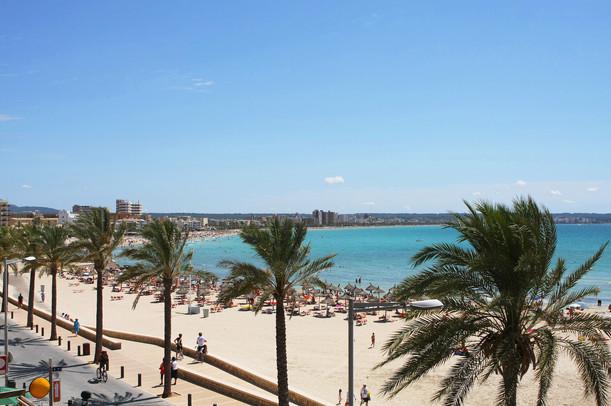 Anywhere Bedrijfsreis Mallorca strand lu