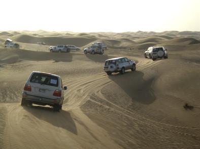 Dubai jeep tour in de woestijn