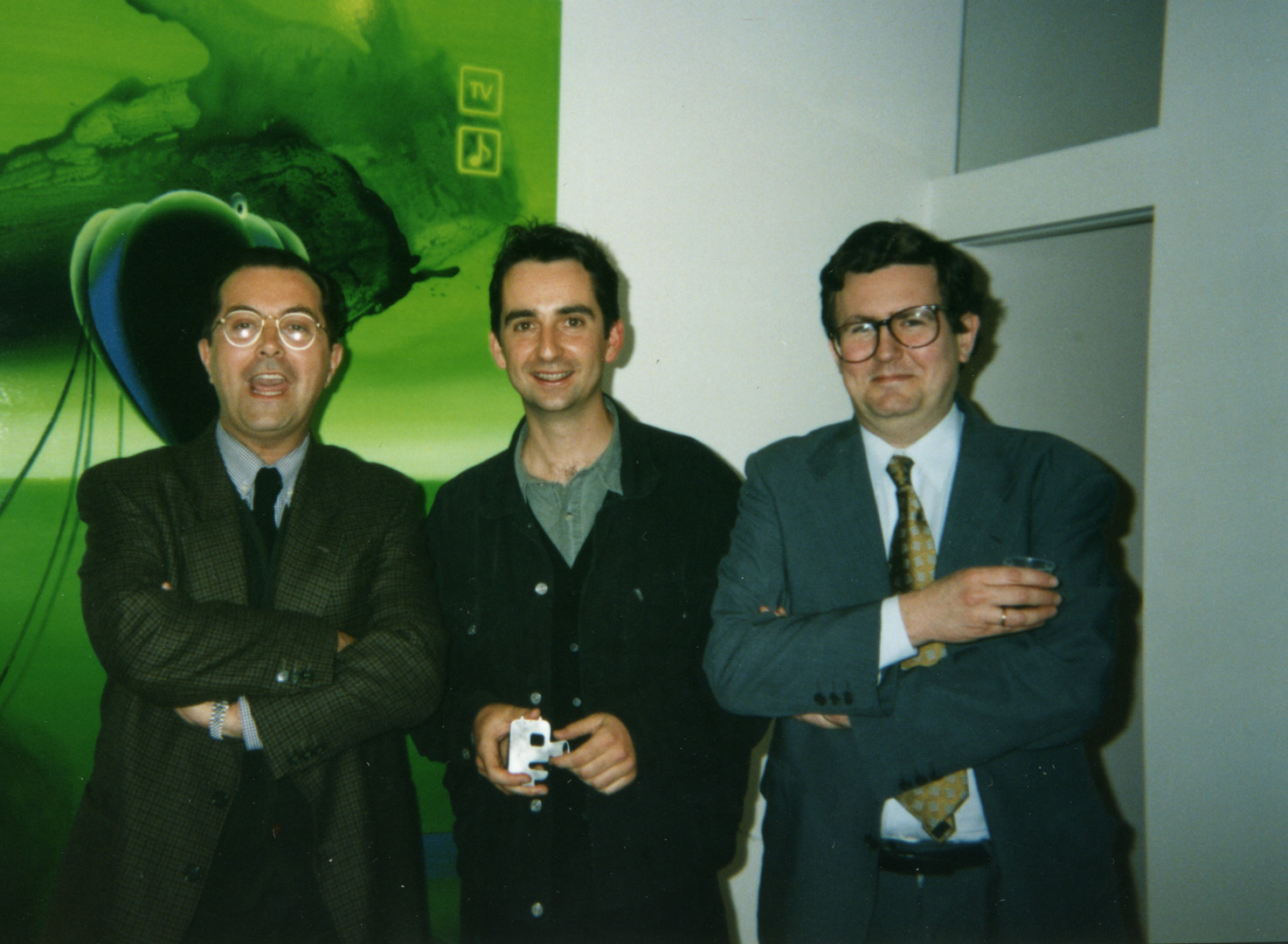 Ramón García Alcaraz, Joël Mestre (Cesar Fernández Arias) y Juan Manuel Bonet. Exposición EL ESPECTADOR Galeria My Name's Lolita Art (Madrid, 1997)
