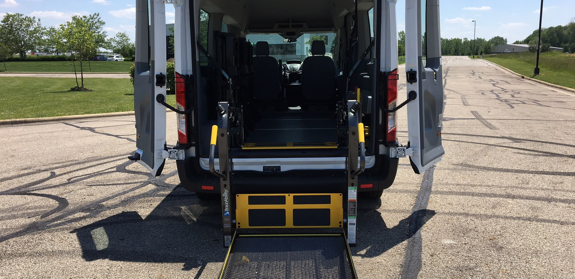 Prime-Time Ford Transit - 2 Wheelchair