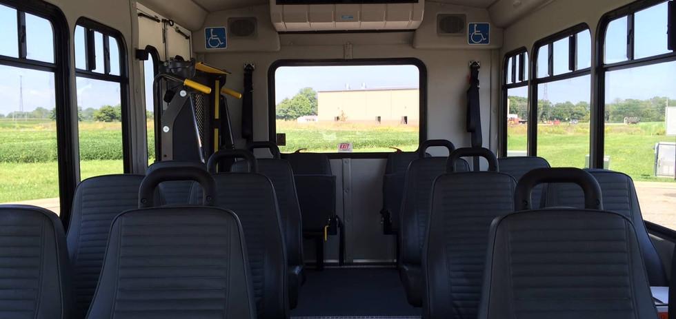 Ford Starcraft Allstar bus.JPG