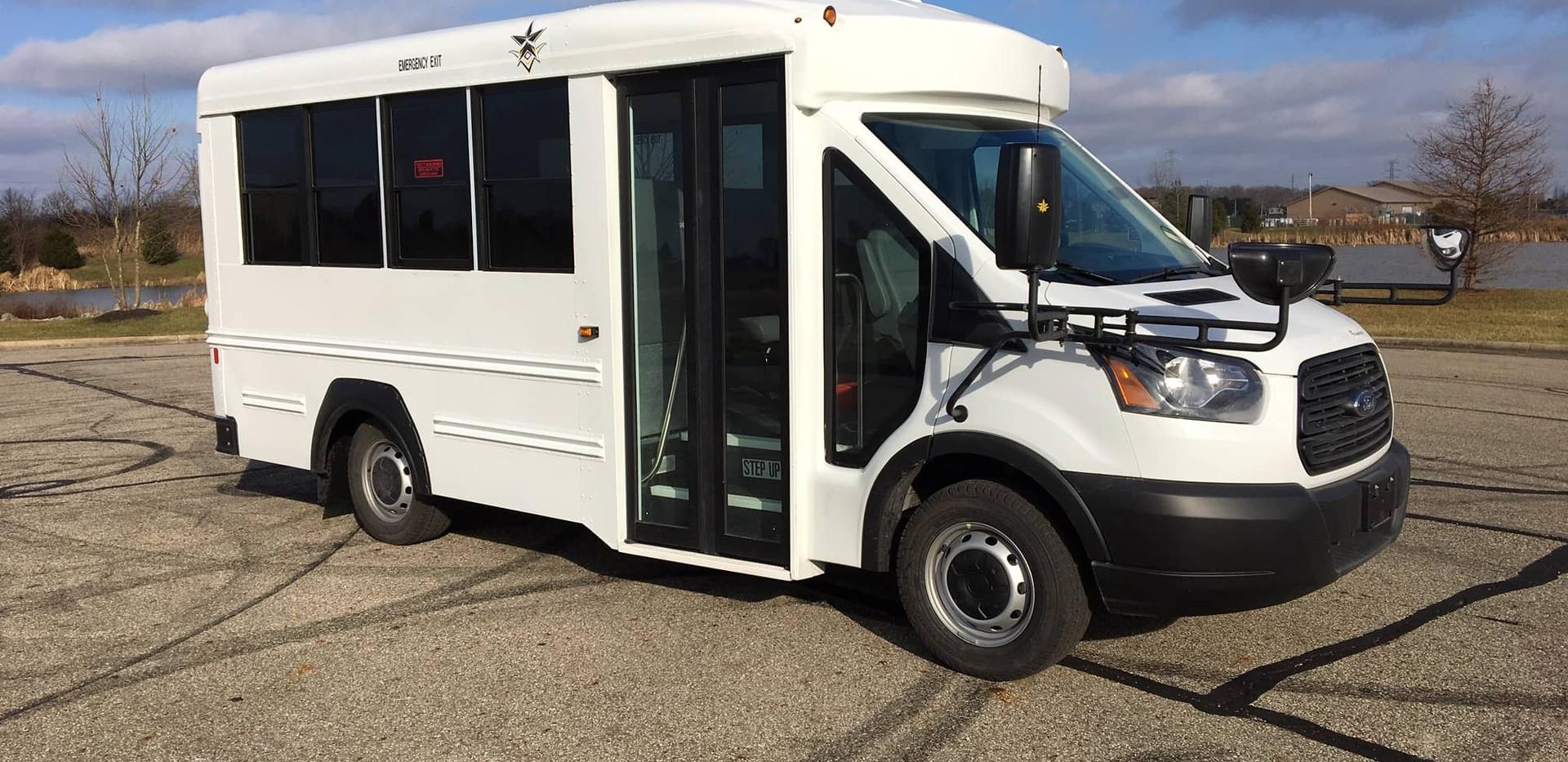 TransTech Ford Transtar - 14 Passenger