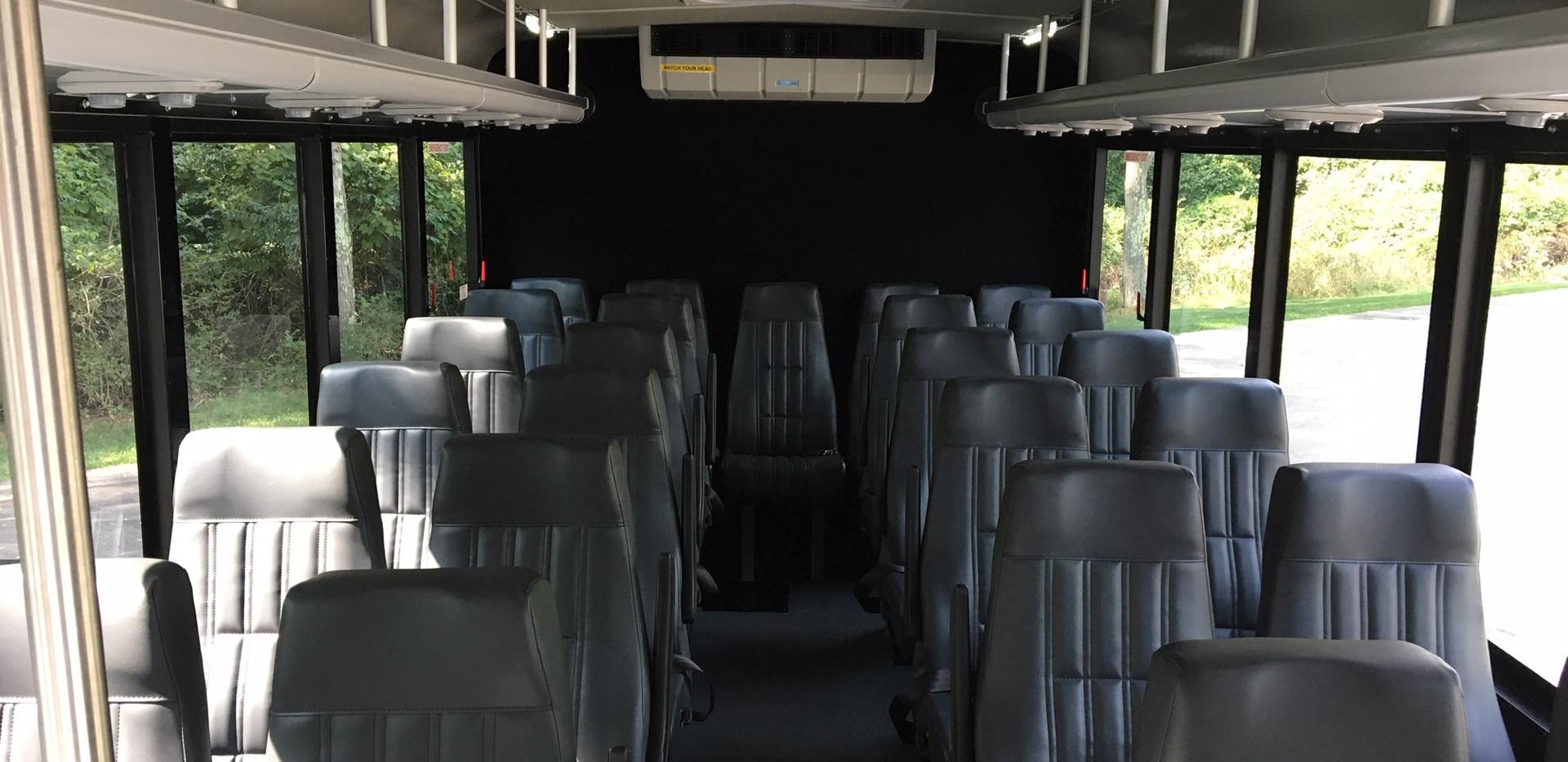 25 Passenger Metro Link