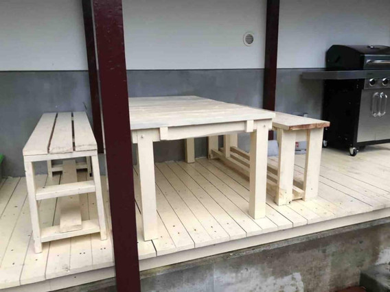 Shimoda House Cottage Table and Chairs