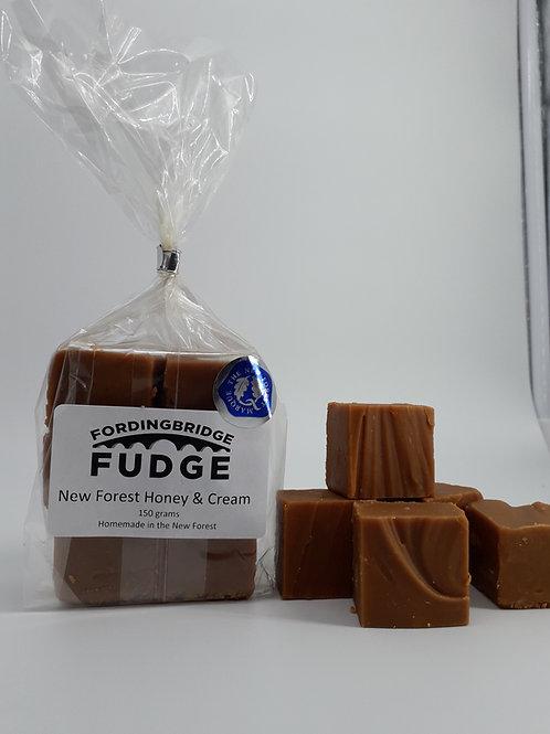 New Forest Honey and Cream Fudge 150g bag