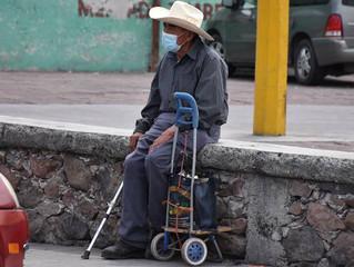 Adultos mayores sin oportunidades tras pandemia