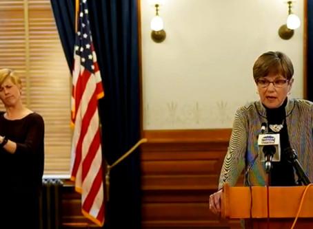La gobernadora Laura Kelly cancela la fase 2 para reabrir la economía de Kansas.