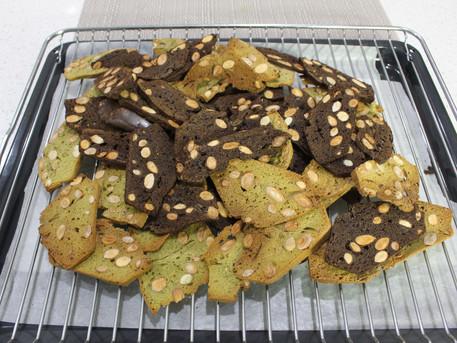 Matcha & Chocolate Almond Biscotti | 抹茶·巧克力杏仁薄脆餅