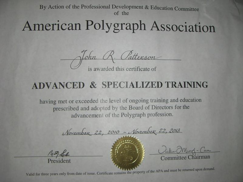 Solo este tipo de documentos con sello dorado valida el APA.