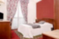 camera con letto francese.jpg