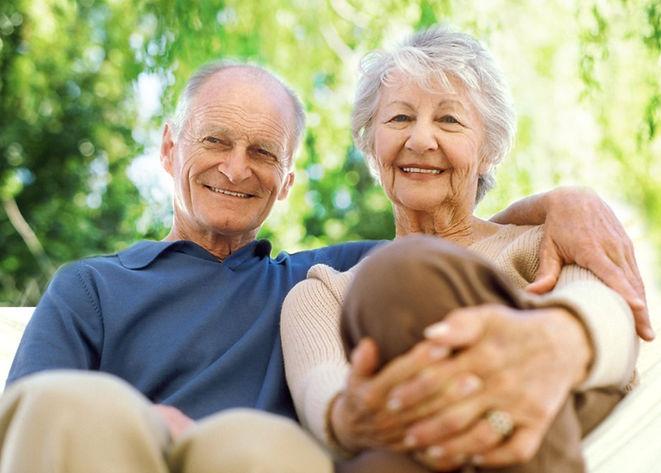 Summercrest Senior Living Elderly Couple Happy