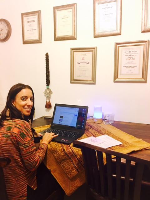דיקלה גולסה, מורה להוראה מתקנת, מאמנת ילדים ונוער, בלוגריסטית