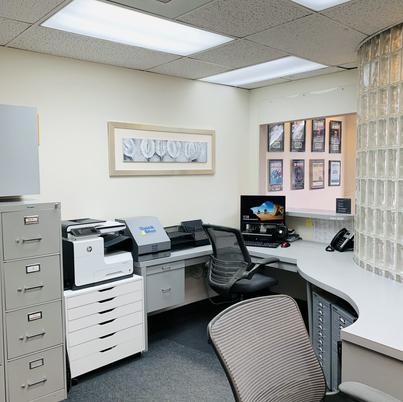 Front Office Karen Harriman, DDS.jpg
