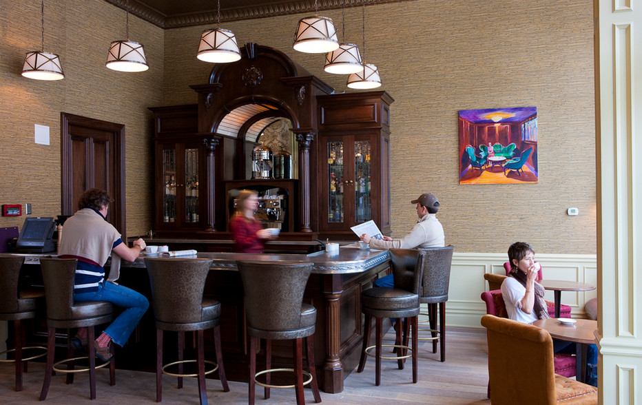 wallace-and-hinz-custom-residential-commercial-bar-company-made-in-usa-Lounge Bar.jpg