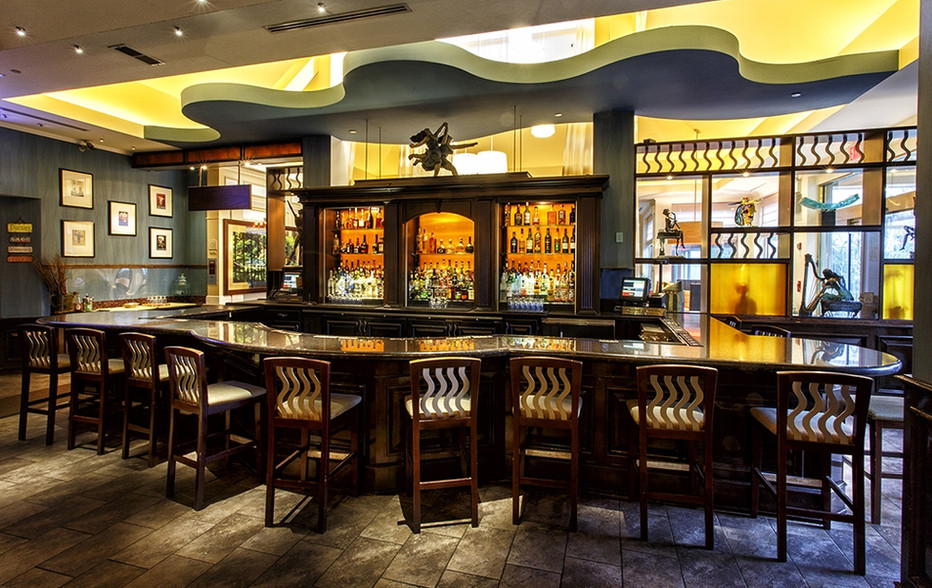 wallace-and-hinz-custom-residential-commercial-bar-company-made-in-usa-Hilton Garden Inn,