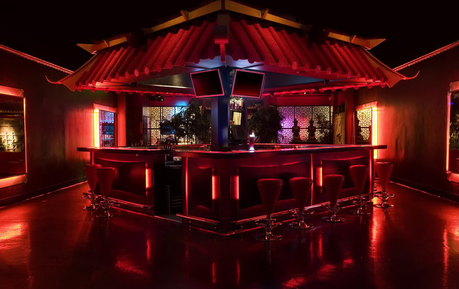 wallace-and-hinz-custom-residential-commercial-bar-company-made-in-usa-IMG_6542_1-1.jpg