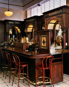 right-view-of-bar-at-johnny-foleys-sanfr